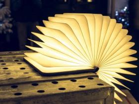 扇面书形台灯:Lumio